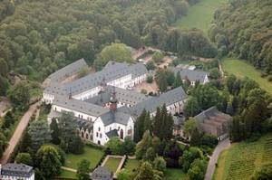 Das Kloster Eberbach aus der Luft - Copyright by Wikipedia/Dysmachus